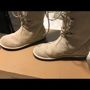 UGG Shoes - 100 % Authentic UGG BOOTS